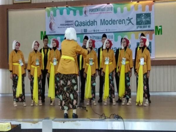 Tim Paduan Suara SMA NU 1 Gresik (Bahana Suara NUSA) juara 1 dalam ajang PORSEMANAS (Pekan Olahraga dan Seni Ma'arif Nasional 2018)