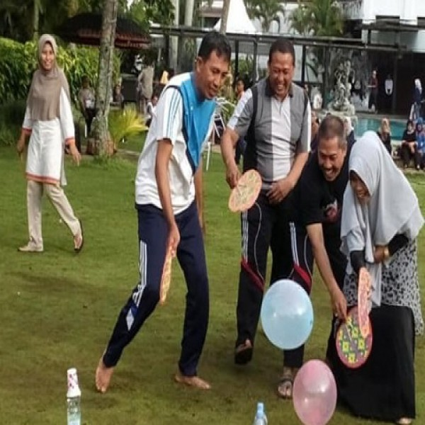 FAMILY GATHERING 2018 SMA NAHDLATUL ULAMA 1 GRESIK